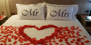Honeymoon, Honeymooners, wedding night, wedding concierge, romance concierge, Mr. & Mrs.