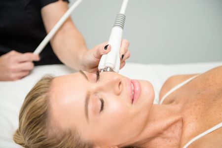 Skin Tightening Radiofrequency treatments with Venus Freeze Plus™