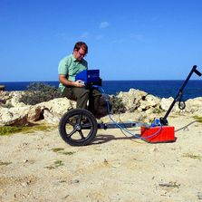 Using GPR (Ground Penetrating Radar) to locate giant fossil clamshells.
