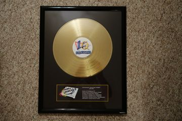 "custom gold silver award vinyl record 12"" with printed plaque in frame"