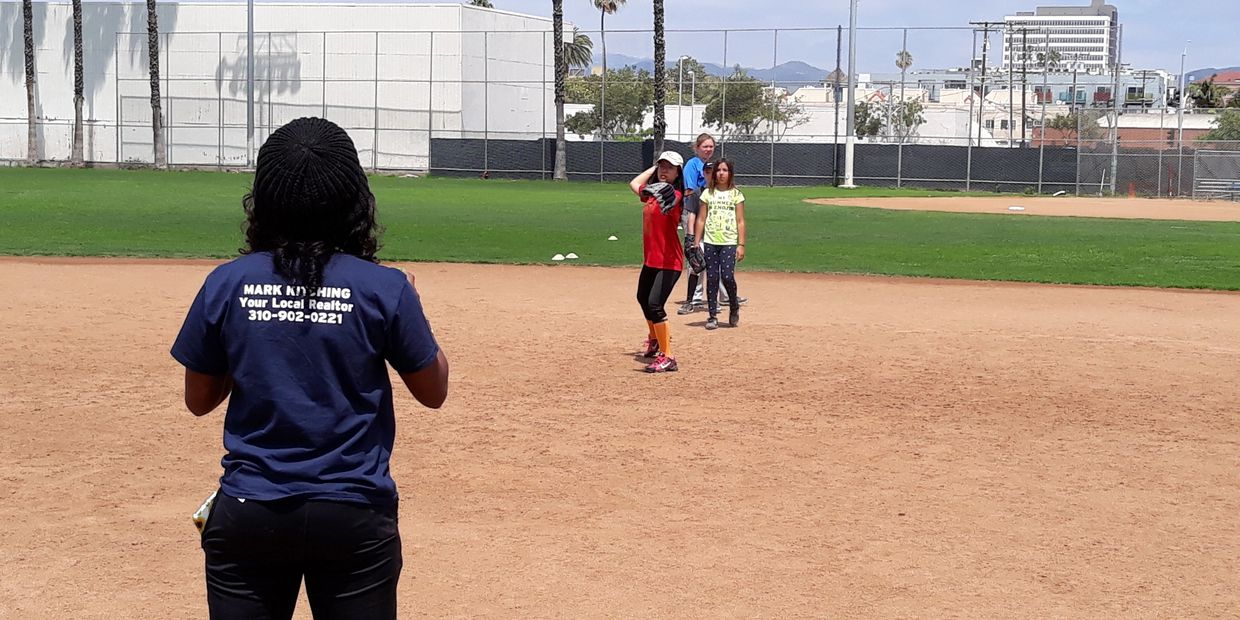 santa monica softball academy fielding at summer camp