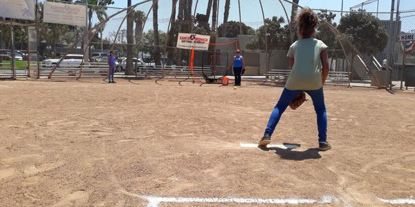 SANTA MONICA SOFTBALL ACADEMY SUMMER CAMP FIELDING SESSION
