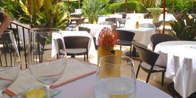 JetsetPrivate Air recommended restaurants in Palm Beach. Cafe Boulud.  Places to eat in Palm Beach.