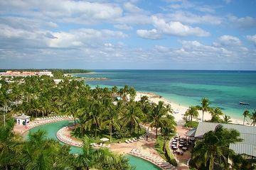 Charter flights to Freeport, Grand Bahama from Miami, Fort Lauderdale, Palm Beach, beach, pool