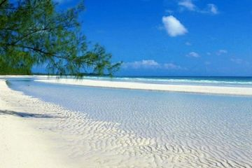 Beach in Congo Town, Andros, charter flights to South Andros from Miami and Fort Lauderdale, beach