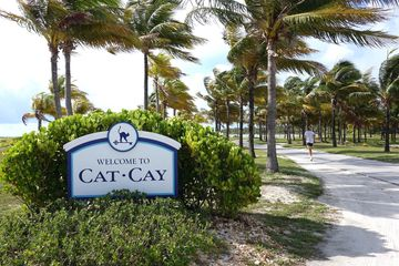 Cat Cay Airport (MYCC) on the Island of Cat Cay, Bahamas. JetsetPrivate Air charter flight Cay Cay.