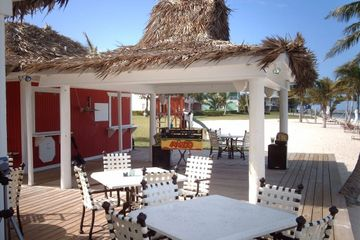 Restaurant in West End, Grand Bahama. Charter flights to West End Airport, Bahamas