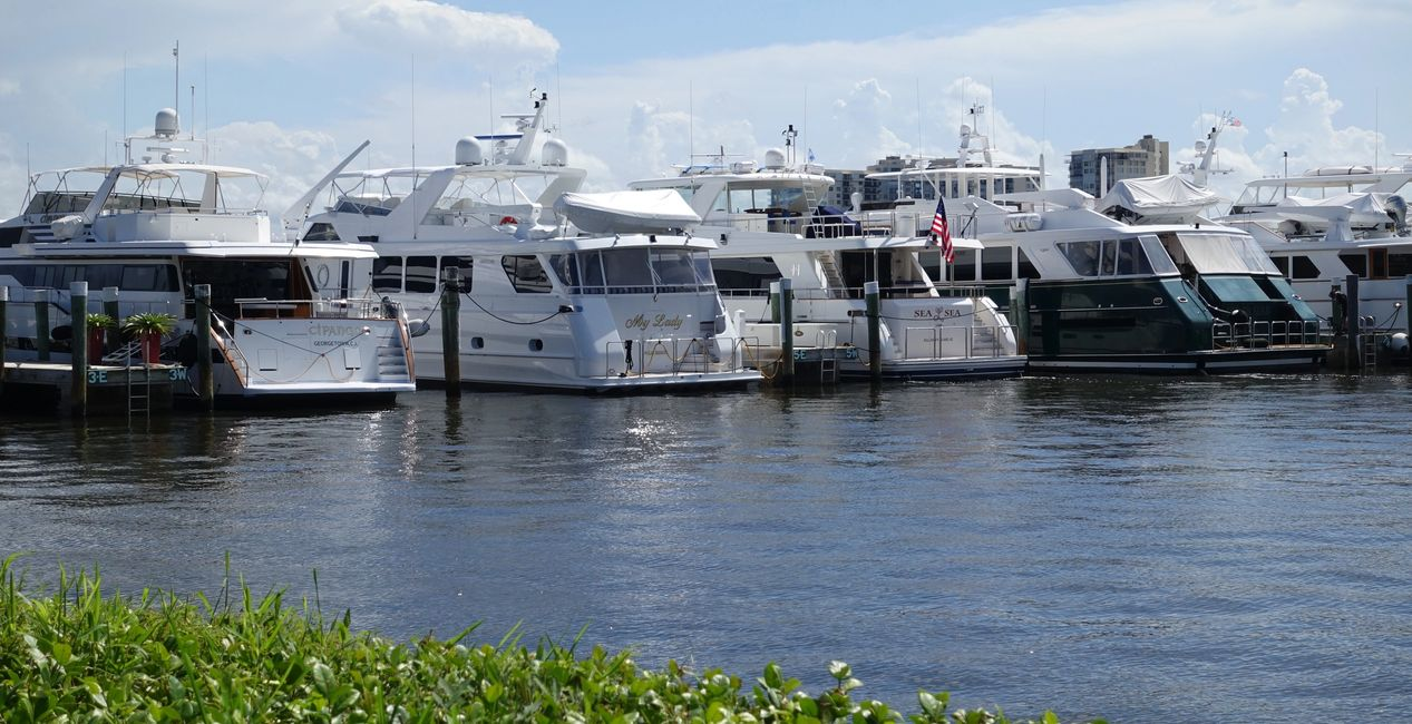 Yacht Support Services. Yachts, Palm Beach, Miami, Bahamas. Charter flights. JetsetPrivateAir.com