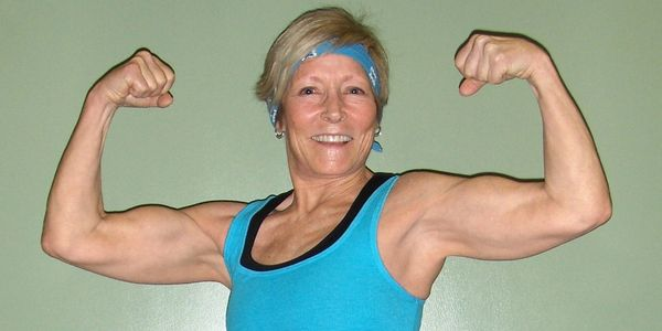 Success! Client Juli Quinn shows off after a workout. We're the #1 Seal Beach personal trainers!