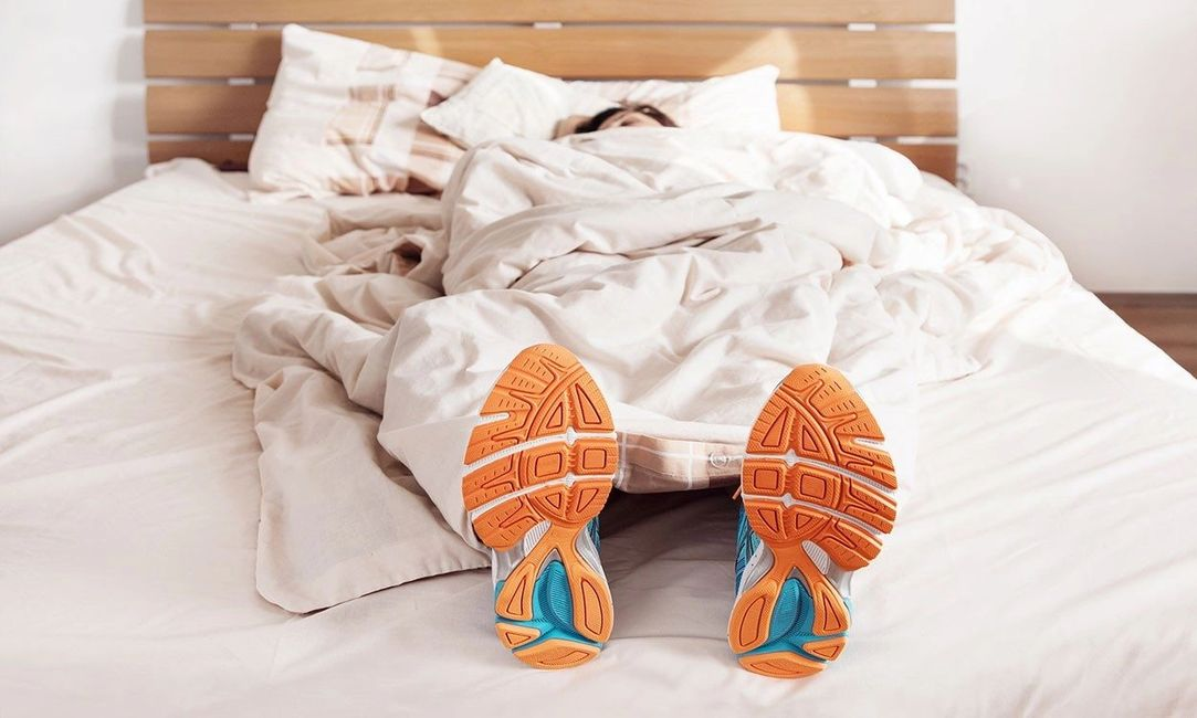 Importance of sleep for athletes.  Ballast Blankets.  Shutterstock credit
