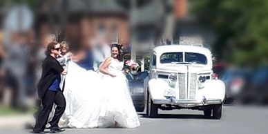Vintage Limousine, Vintage Wedding, Chic Wedding, Kingston Wedding, Vintage sedan, YGK Wedding