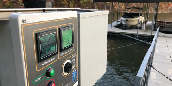 boat dock electrical manual-disconnect & voltage alarm | lake of the ozarks, MO | Safe Dock
