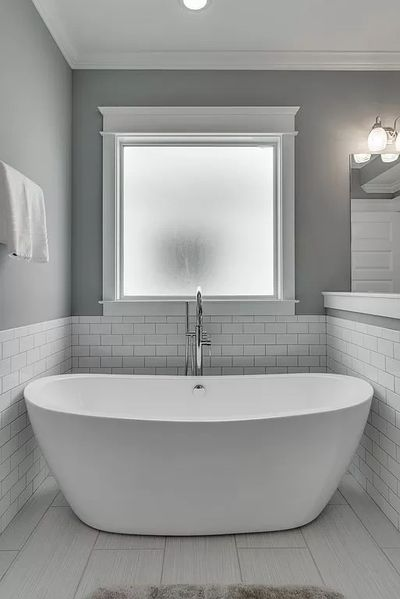 Nashville Sober Houses Luxury Bath at The Reserve Best Upscale Sober Living  in Nashville Tennessee.