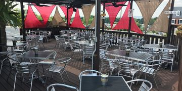 Family friendly, outdoor patio, Italian restaurant, pizza, salads