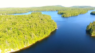 Island waterfront property for sale in the Laurentides region, Lac des Grandes Baies in Nominingue