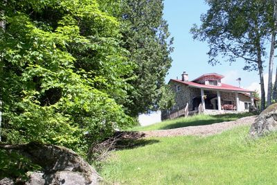 Waterfront home for sale in the Laurentides region on Lac Laurel, Lac-des-Seize-Iles