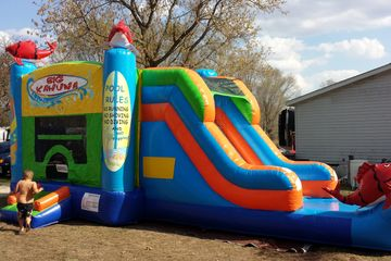 Wet dry bounce house combo. water slide.