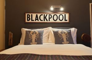 Sunny Dee's cheap self catering holiday apartments Blackpool