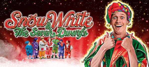 Sunny Dees cheap self catering holiday apartments Blackpool Snow White Panto Grand Theatre