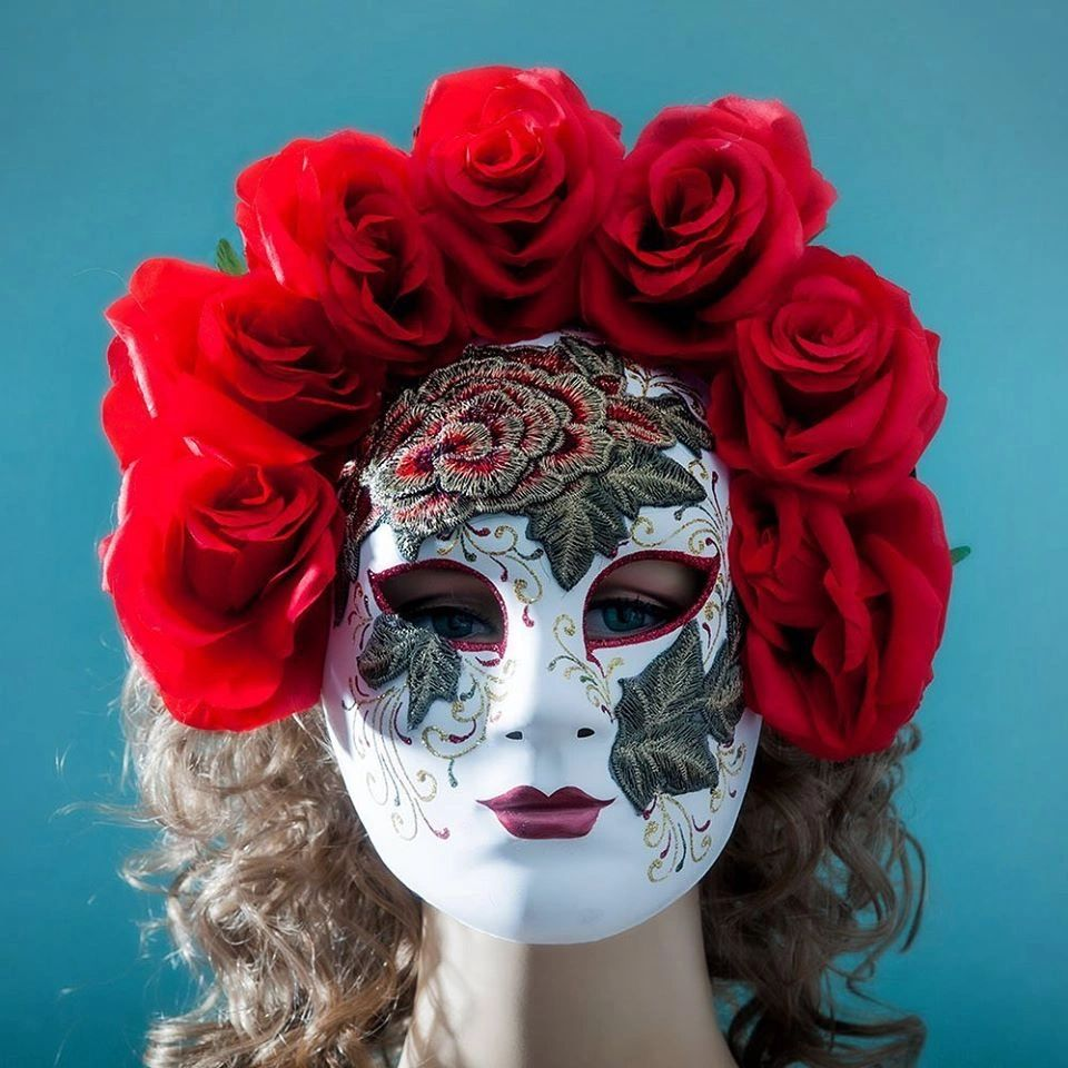 Full face masquerade mask with Roses