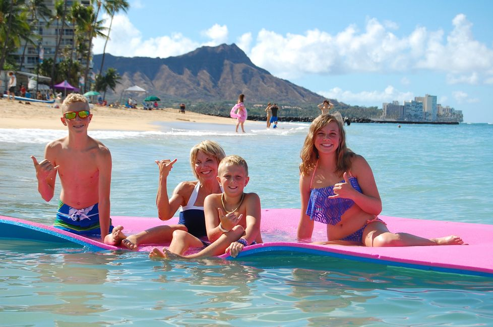 Fun Island Float+Waikiki+Beach+Rentals+Rental+Things+to+do+Hawaii+Honolulu+Oahu