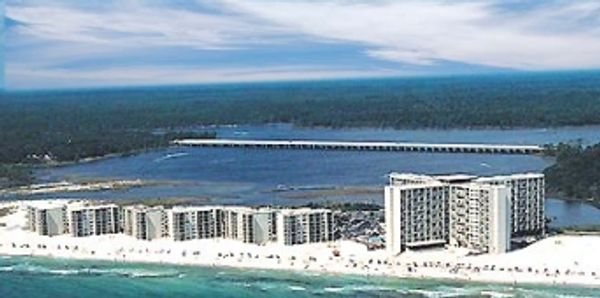 Panama City Beach at Pinnacle Port beachfront added family vacation value with condo rentals by owner for 2 or 3 bedroom