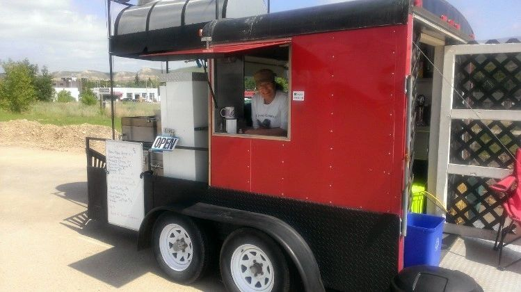 Our Barbeque Style Food Truck serves great burgers, hotdogs and more!