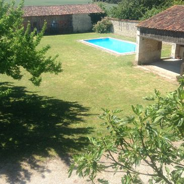 Gite pool and garden