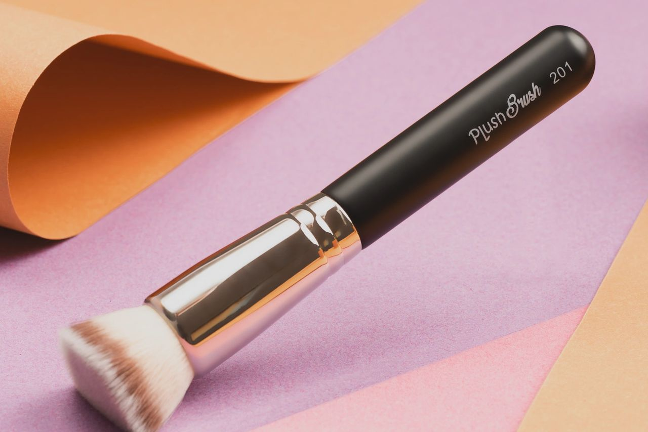 The Holy Grail 201 Plush Foundation Brush And Why Use One
