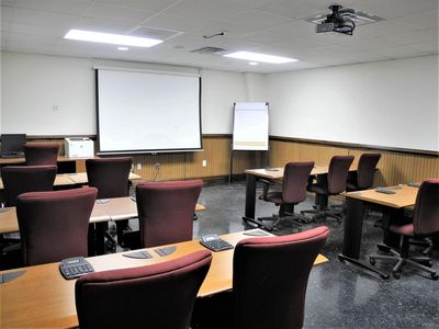 picture of the real estate classroom