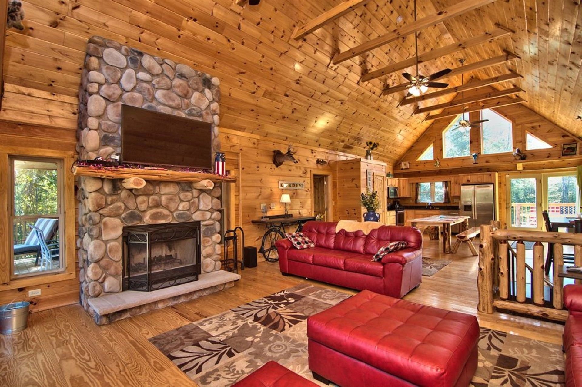 Fantastic Poconos Log Cabin Rentals Pocono Vacation Rental Interior Design Ideas Inesswwsoteloinfo