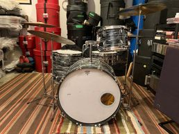 1970s Ludwig Black Oyster Pearl all Original with period stands and cymbals.