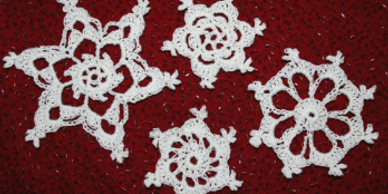 Crochet pattern for four easy snowflakes