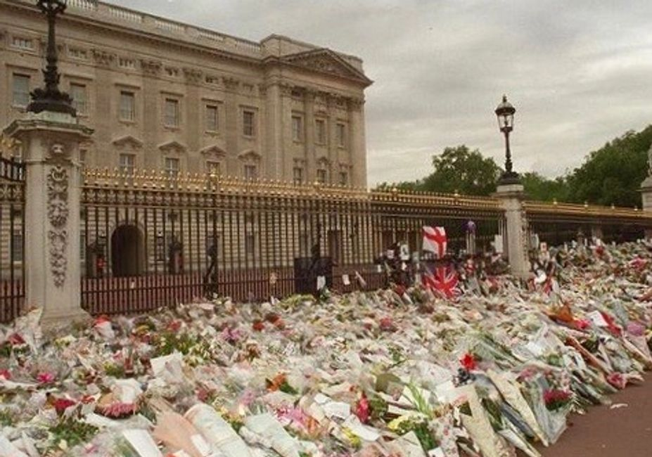 Where I stood at Buckingham Palace in 1997 prior to the funeral of Princess Diana.