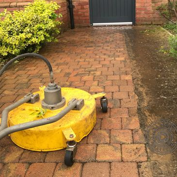 Block paving pressure washed with a rotary flat surface cleaner by oakleyrestorations.co.uk Bedford