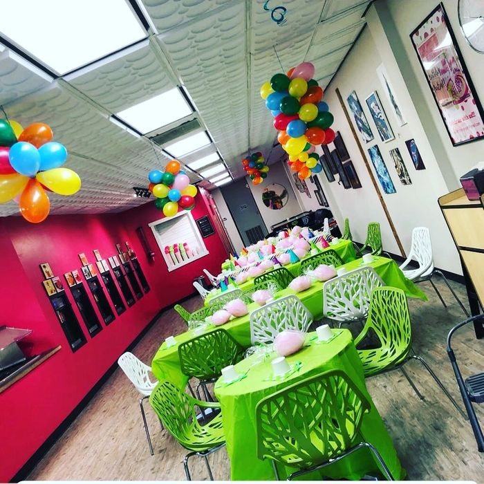 The Roaring Fork Valley's only self serve Frozen Yogurt cafe!