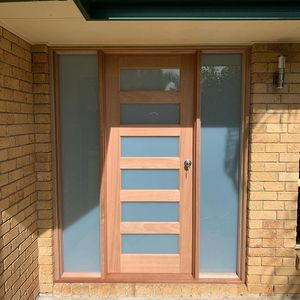 2040x820mm entrance door and twin sidelite set.