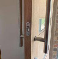 pull handle and roller latch with deadbolt