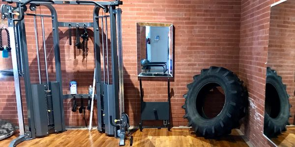Squat and press equipment, large tire