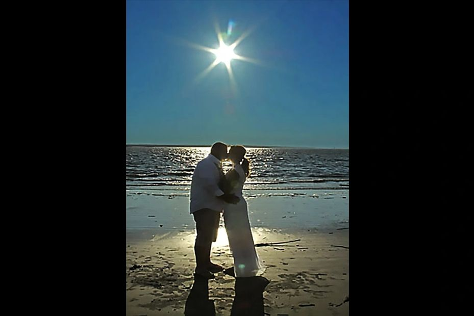 OH YEAH!   BEAUTY AT THE BEACH INCLUDES  SC  OFFICIANT
