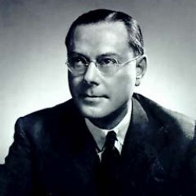 Graham Ford Towers governor of the Bank of Canada from 1934 to 1954.
