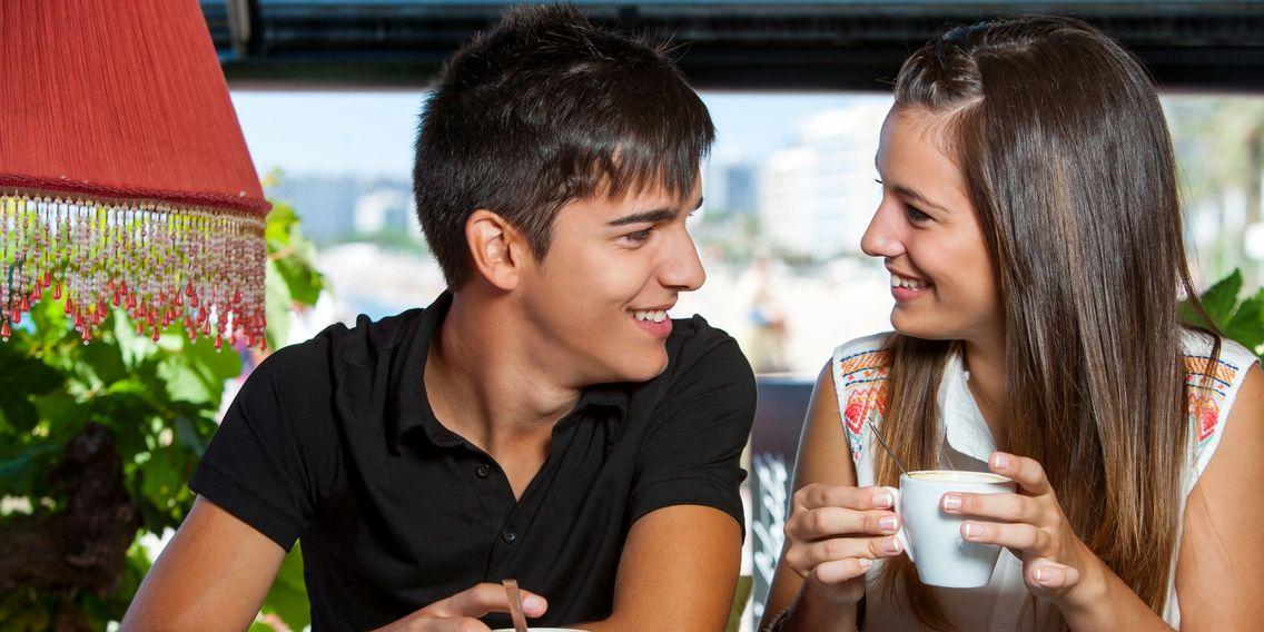 beskæftiger sig med afslag dating