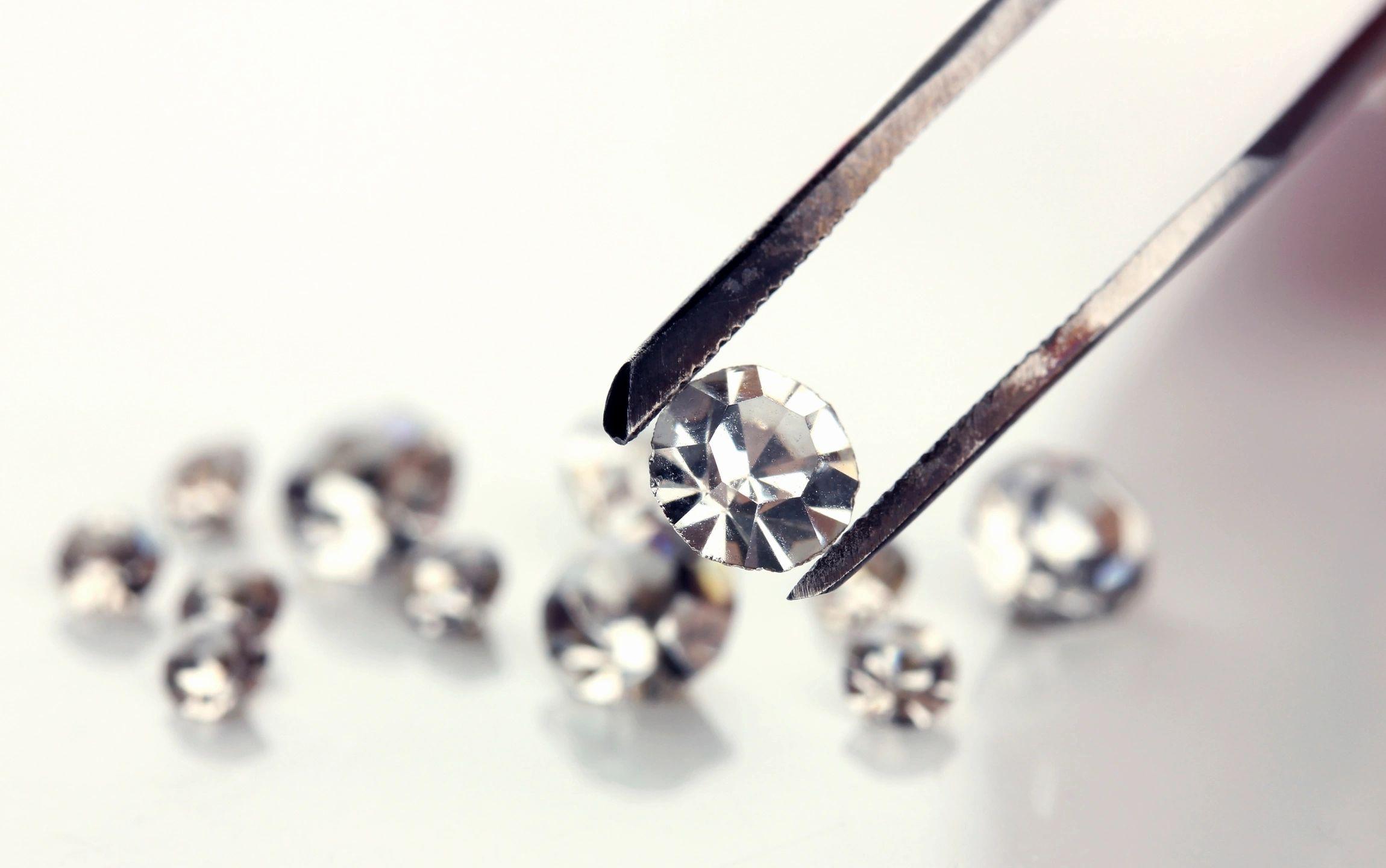 Важные особенности скупки бриллиантов