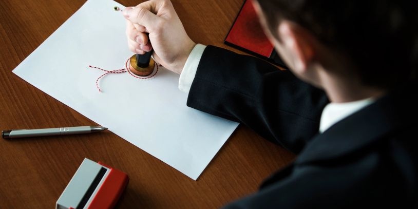 We will prepare your Living Trust which wll be drafted by our Staff Attorney.  Includes Decl. of Tru
