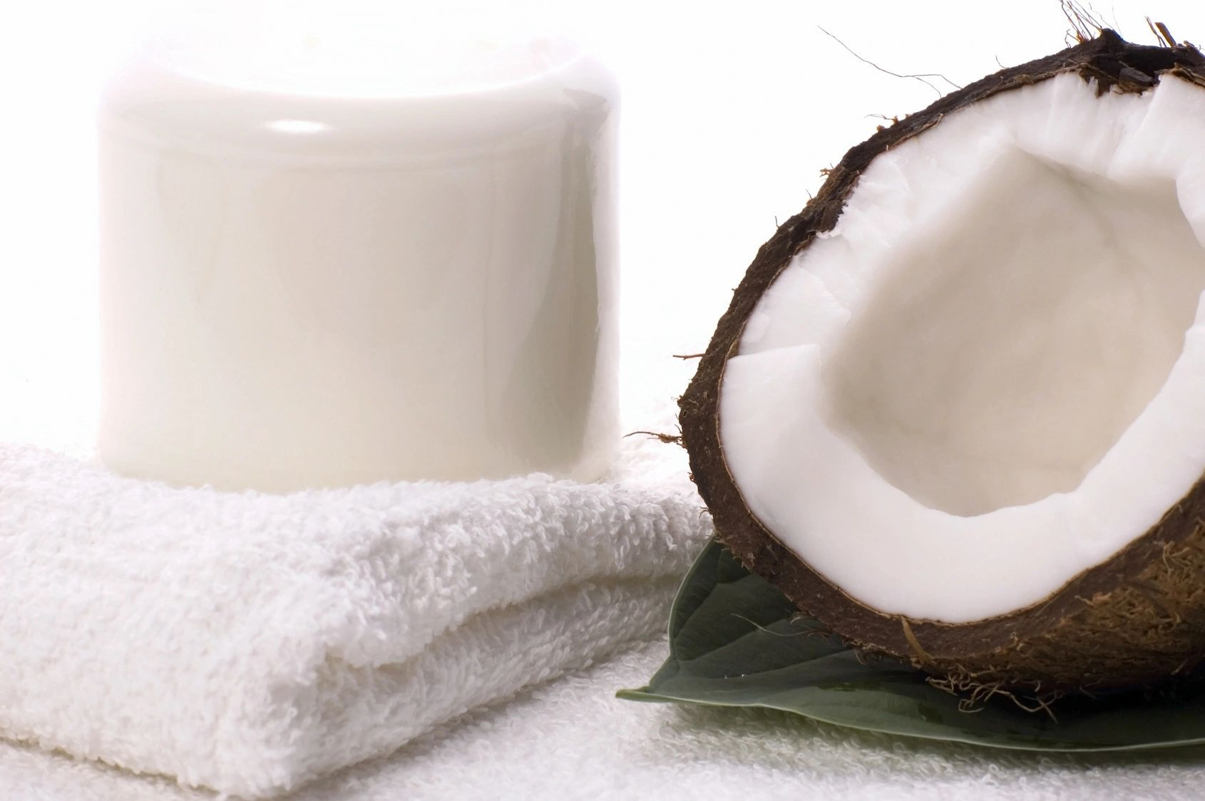 CocoSani - sanitize your hands without drying them out, naturally and effectively