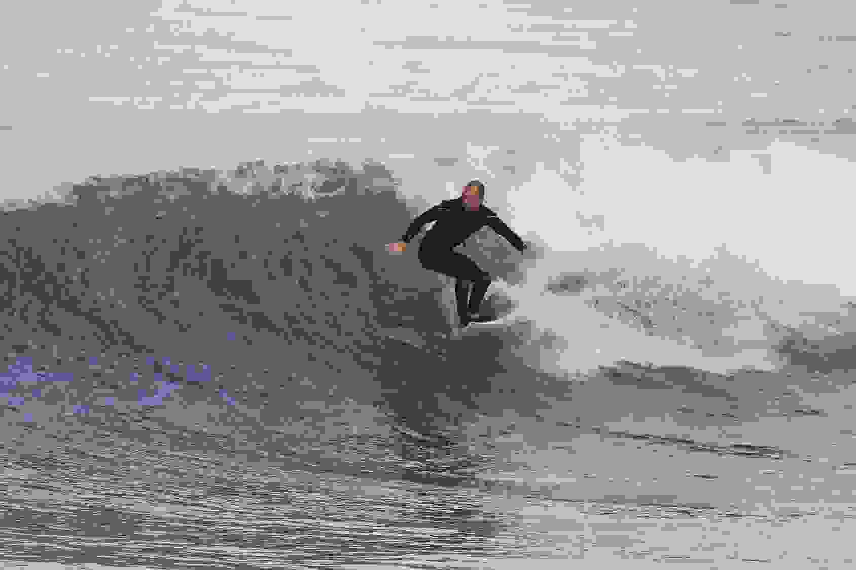 When looking where to buy cbd in Santa Cruz, the surfers riding waves are a tell tale sign.