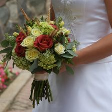 Grand larger brides bouquet,  Pams-wedding-flowers, budget-priced-wedding-flowers