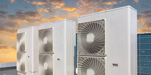 We specialize in large refrigeration installation for commercial buildings and Data Centres