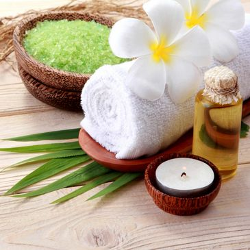Essential Oils for Aromatherapy helps in relaxation and relieving stress
