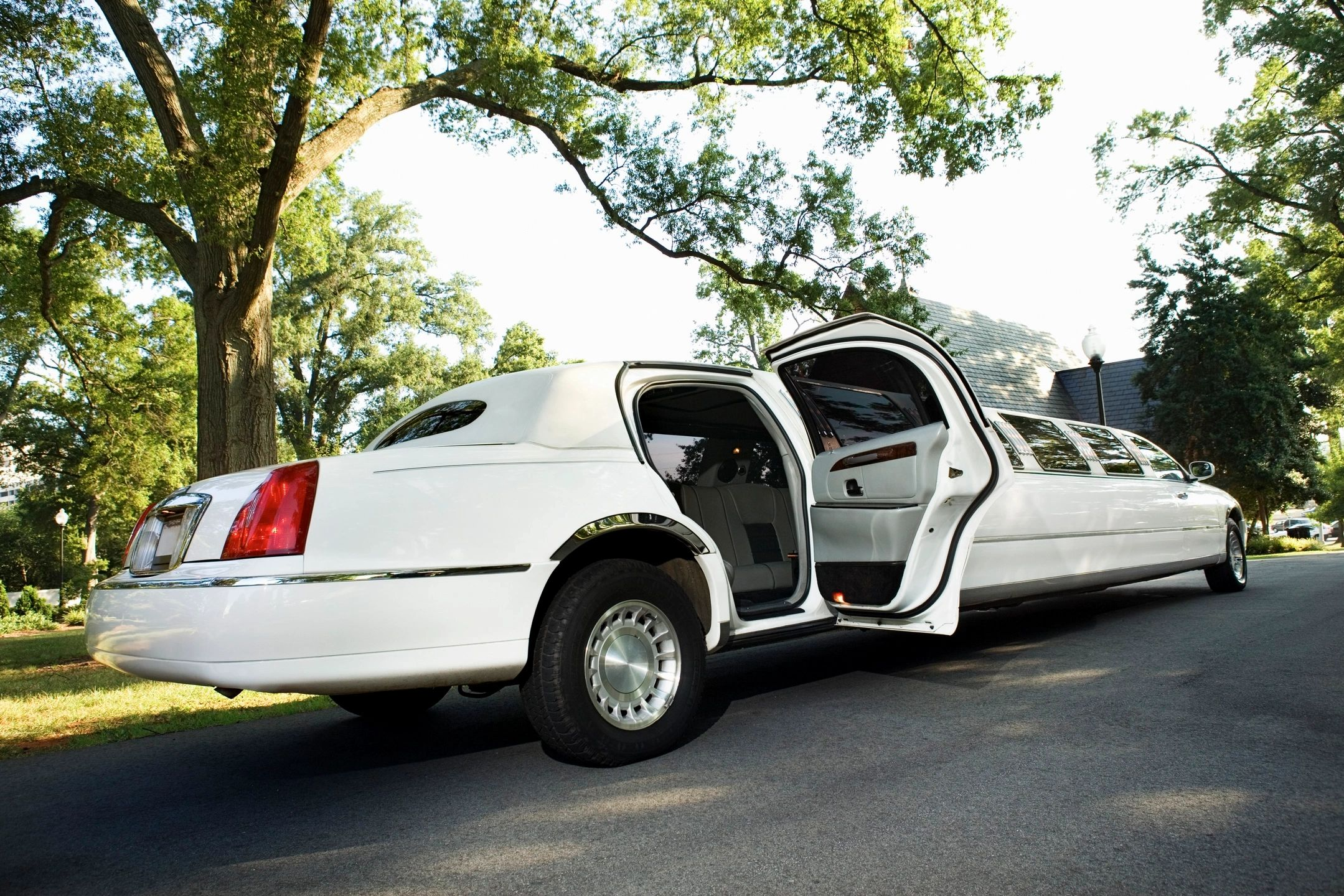 reserve ride, book limo, bakersfield, limousine service, special events